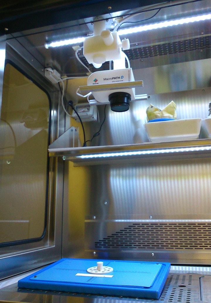 Vista de sistema de fotografía digital integrado dentro de la Mesa de Tallado Zefiro 180.
