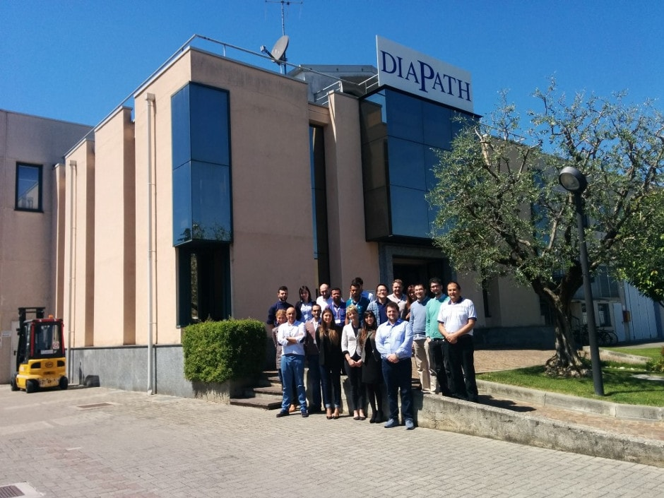 Los técnicos de ICSA junto con el resto de técnicos y comerciales y el personal de DIAPATH