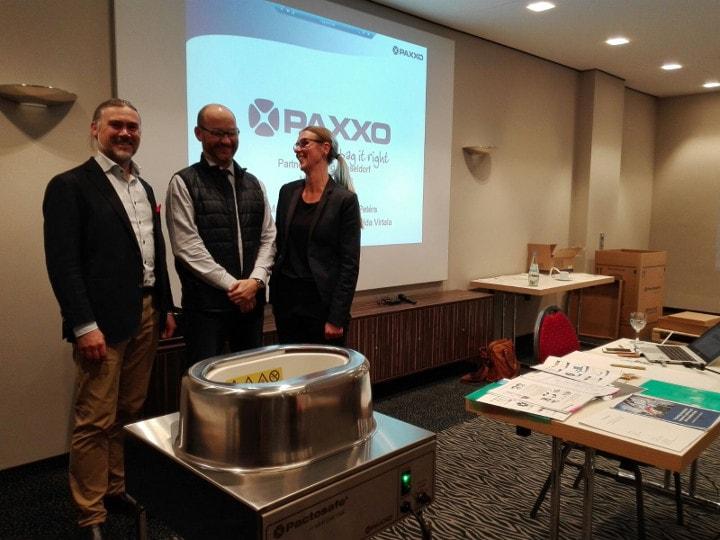 Visita al stand de Paxxo en Medica 2016